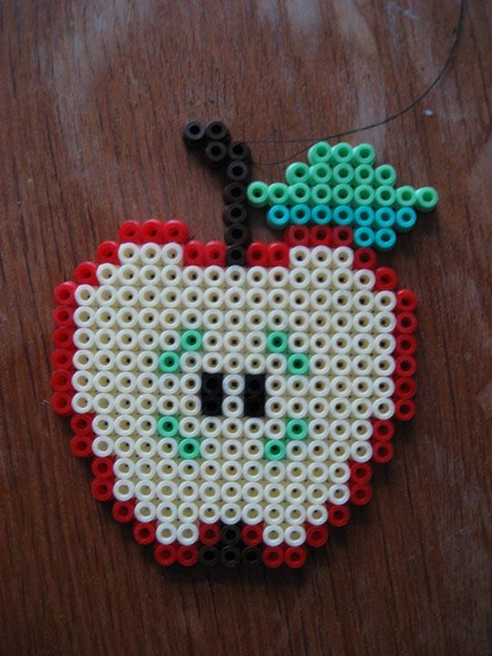 hama beads – apple